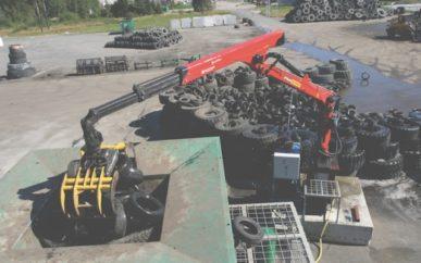 Dekk kvernes ved Ragn-Sells anlegg på Heljestorp. Denne aktiviteten vil fortsette, men produksjonen av granulat vil opphøre i løpet av høsten.