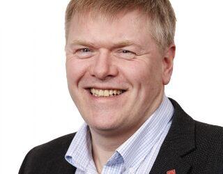Pål Mikkelsen er stolt over å få lede oppbyggingen av en ny etat. Men han legger heller ikke skjul på at det blir deilig med litt kortere reisevei, han bor på Kråkerøy utenfor Fredrikstad.