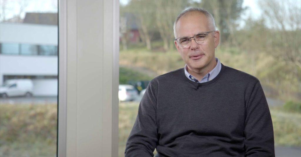 Ralf Schöpwinkel i Geminor synes det er en fin oppgave å skaffe Quantafuel plastvolumer som ellers ville gått til forbrenning.