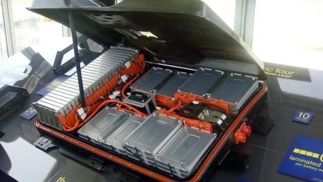 Mer enn 200 000 biler med slike batterier ruller nå rundt i Norge, det betyr at titusenvis av tonn etter hvert vil utrangeres og forhåpentligvis gjenvinnes.