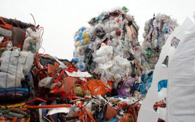 Plasten fra norske gjenvinningsstasjoner består av mange fraksjoner. Dette lasset kommer i følge Per Haakonsen fra GLØR.