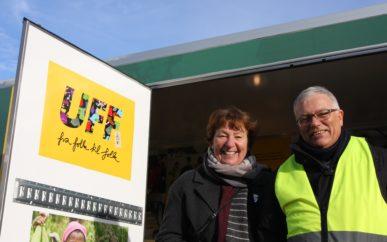 Oslos ordfører Marianne Borgen og UFF Norges styreleder Trond Narvestad skinte om kapp fra lasterommet på den nye elbilen.