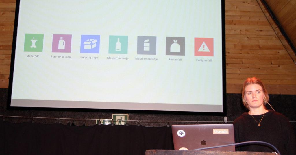 Synne Flaa fra designbyrået Goods presenterte de nye piktogrammene og forklarte hvorfor de ser ut som de gjør.