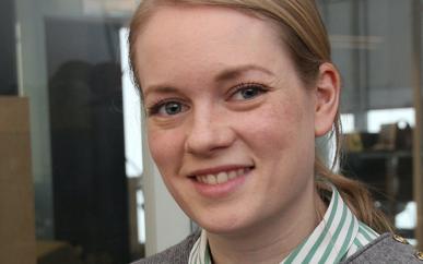 Monica Tennfjord, daglig leder i IRIS Service, synes det er synd at så mye som kunne gått til gjenvinning havner i restavfallet. Foto: Arnt E. Pedersen.